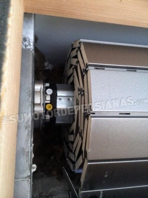 Motor Somfy LT50 con persianas lisas alta densidad