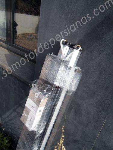 Instalar persianas aluminio con Motor Somfy en cajón y con mosquiteras