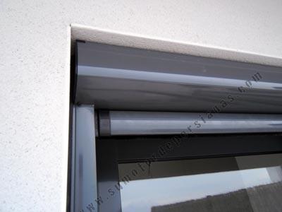 Instalar toldos verticales motorizados resistentes al viento