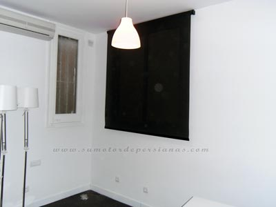 Stores o cortinas enrollables verticales