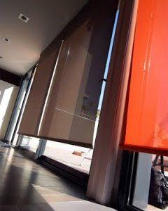 Stores o cortinas con motor Somfy y mando a distancia
